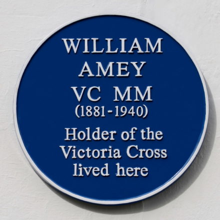 Amey-William-VC-Blue-Plaque17-1-23Sep2015-A-Jennings